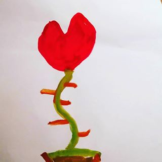 """Dieses Bild hat mir ein Schüler (7 Jahre) als Dankeschön für kleine Tipps im Kunst Unterricht gemalt. Ein Rosenherz habe bisher noch """"NIE"""" geschenkt bekommen. Das sind echt so kleine Gesten die mein Herz tief berühren!!❤❤🍀🍀🍀 Dankeschön von ganzem Herzen! #herz #herzensmensch #dankbarkeit #littlethings #kleinedinge #thankyou #thankful #everest #fürimmer #vonherzen #liebe #love #best #kidslove #kinderliebe #children #kinder #danke #achtsamkeit #biglove #großeliebe #freudentränen #weilburg"""