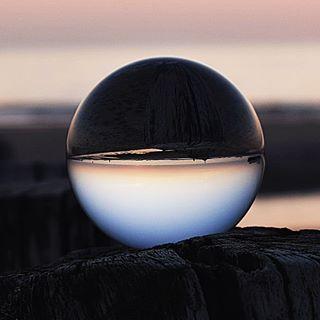 Einfach mal die Seele baumeln lassen, abschalten um wieder neue Kraft zu tanken! Habt ein schönes Wochenende ❤🍀 und lasst es euch gut gehen!! #seele #erholung #endlichwochenende #naturfoto #naturephotography #kraft #wegweiser #instago #insta #lensball #glaskugel #lensballphotography #lensballphoto #nature #natur #outdoor #zeit #nikond3300 #nikon #intime #littlethings #achtsamkeit