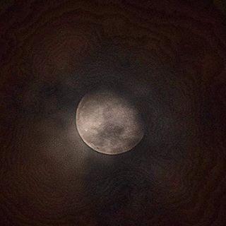 Wenn man sich am Abend etwas Zeit nimmt und zum Himmel schaut ....... #himmel #heaven #mond #moon #mystic #magisch #instapic #insta #instagood #mengerskirchen #nice #zauberhaft #zufriedenheit #thankful #dankbarkeit #danke